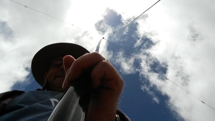 VK1AD sherpa holding a 6m telescopic pole